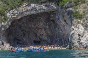 kayak tours dubrovnik cave